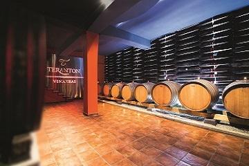 WINE TASTING & CELLAR TOURS